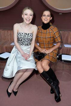Pin for Later: Tous les Moments Immanquables de la Croisière Dior  Dakota Fanning et Teresa Palmer.