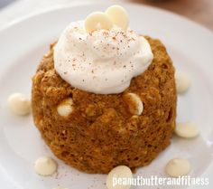 PEANUT BUTTER AND FITNESS: Protein Pumpkin Mug Cake with Cheesecake Frosting