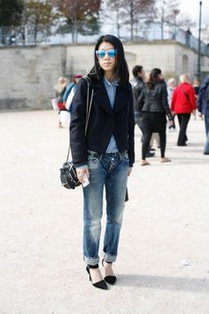 Paris Fashion Week #pfw #paris #streetstyle Altijd goed wasted jeans met colbert, classie