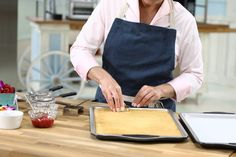 Judge Kyla Kennaley shares a step-by-step guide for making your favourite cake even more special. Chocolate Buttercream Recipe, Whipped Buttercream, Icing Recipe, Raspberry Fruit, Vanilla Sponge Cake, Espresso Powder, Chocolate Curls, Serving Platters