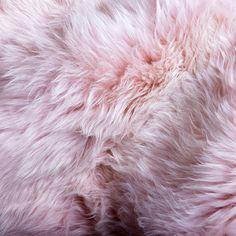 Pale pink for a little ladies nursery ❤️ Merino Cipria sheepskin