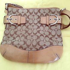 Coach purse Tan Authentic Signature Coach purse Bags