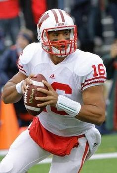 Russel Wilson.. miss him on the badgers!