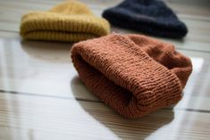DIY: VAUVALLE/TAAPEROLLE PIPOJA Knitted Hats, Knitting Patterns, Ootd, Diy Crafts, Crochet, Style, Breien, Swag, Knit Patterns
