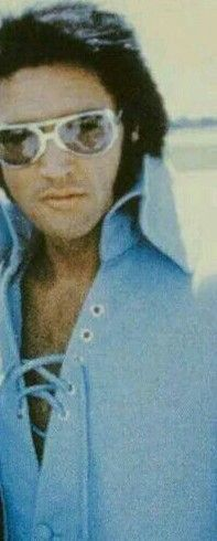 Elvis looking gorgeous in blue