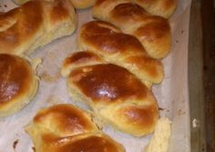 Mini kalács | Marek Barbara receptje - Cookpad receptek Baking And Pastry, Hamburger, Bakery, Bread, Cookies, Food, Easter, Hungarian Recipes, Crack Crackers