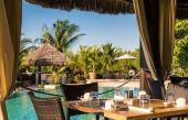 Poolside Bar & Restaurant