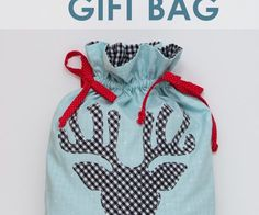 A tutorial to sew a reusable Rudolph gift bag for the holdiay season. A lined drawstring bag with cute riendeer sillhouette and pom pom nose.
