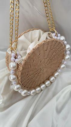 Diy Crochet Bag, Crochet Bag Tutorials, Crochet Projects, Crochet Videos, Diy Handbag, Diy Purse, Leather Bags Handmade, Handmade Bags, Diy Bags Purses