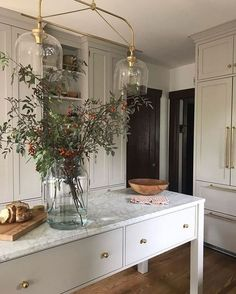 Marble kitchen island - home sweet home - Decoration Inspiration, Interior Inspiration, Sunday Inspiration, Kitchen Inspiration, Kitchen Ideas, Kitchen Designs, Decor Ideas, Kitchen Trends, Bar Ideas
