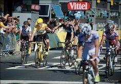 Wiggo wins the Tour, Rogers congratulates him by kristof ramon, via Flickr. Tour de France 2012, stage 20