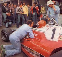 http://i7.photobucket.com/albums/y256/bouboum/Niki%20Lauda/1976-Guoghi_Lauda-Monza.jpg