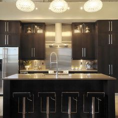 Contemporary Kitchen Photos Design Ideas, Pictures, Remodel, and Decor - page 41