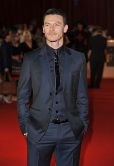 """Luke Evans Photos - Actor Luke Evans attend the world exclusive premiere of """"The Three Musketeers"""" in 3D at Vue Westfield on October 4, 2011 in London, England. - The Three Musketeers In 3D - World Premiere - Outside Arrivals"""