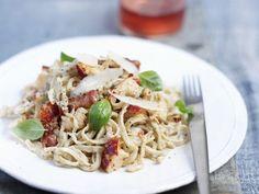 Pasta mit Hummer ist ein Rezept mit frischen Zutaten aus der Kategorie Kräuter. Probieren Sie dieses und weitere Rezepte von EAT SMARTER!