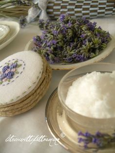 letrecivette: tutorial for lavender making lavender scented oil ( it's in Italian)