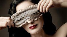 Minute Mode - La danseuse burlesque signe pour la marque italienne un facétieux…