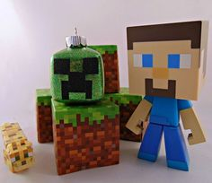 How to Make Minecraft Glitter Ornaments – Krysanthe Amazing Minecraft, Creeper Minecraft, Cool Minecraft Houses, Minecraft Pixel Art, Minecraft Crafts, Minecraft Skins, Minecraft Buildings, Fuse Beads, Pearler Beads