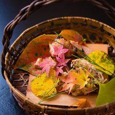一二三庵 日本料理教室さんはInstagramを利用しています:「ㅤㅤㅤㅤㅤㅤㅤㅤㅤㅤㅤ  十月の日本料理専科より  焼き物『豚肉の味噌漬け』  揚げ物『吹き寄せ揚げ』 ㅤㅤㅤㅤㅤㅤㅤㅤㅤㅤㅤ ㅤㅤㅤㅤㅤㅤㅤㅤㅤㅤㅤ 「インスタのお料理は難しそうです。」と20代から30代の乙女の生徒さんがおっしゃいます。 ㅤㅤㅤㅤㅤㅤㅤㅤㅤㅤㅤㅤ…」 Serving Bowls, Tableware, Instagram, Bowls, Dinnerware, Serving Dishes, Dishes, Serveware