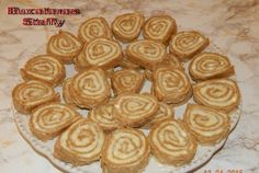 Rulada din foi Lica Romanian Desserts, Romanian Food, Romanian Recipes, Eat Dessert First, Coco, Deserts, Cooking Recipes, Sweets, Cookies