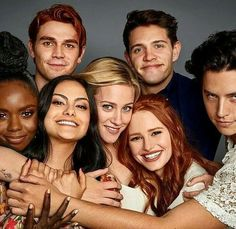 Riverdale Who do you stan? Whether it's or , or or perhaps just alone, there's something for everything in our super cool Riverdale case collection. Kj Apa Riverdale, Riverdale Netflix, Riverdale Quotes, Riverdale Aesthetic, Riverdale Funny, Cast Of Riverdale, Watch Riverdale, Betty Cooper, Alice Cooper