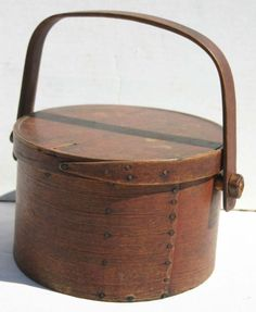 Excellent ca 1820 MA lidded pantry box