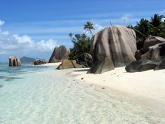 Seychelles http://beautifulplacestovisit.com/islands/seychelles-islands/