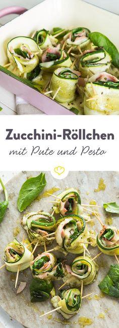 Diese Low-Carb-Zucchini-Röllchen mit würzigem Pesto und geräucherter Putenbrust sind der Beweis, dass gesund so einfach und lecker ist!