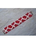 Bracelet: Red / Pink Mix & White Geometric Motif, Peyote Stitch, Tube Clasp - $39.00 Peyote Stitch, Repeating Patterns, Main Colors, Fashion Bracelets, Red And Pink, Beaded Jewelry, Hand Weaving, Beading, Tube