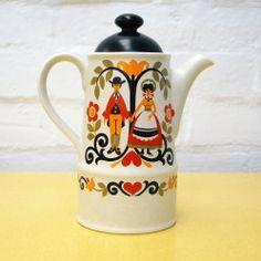 Vintage Sadler Folk Love coffee pot vintageactually.co.uk