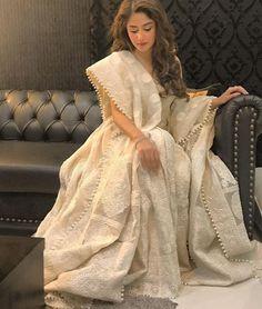sajal-aly 24 Ways to Wear All White Outfits Like Pakistani Celebrities Pakistani Dress Design, Pakistani Bridal, Pakistani Outfits, Indian Outfits, Indian Dresses, Shadi Dresses, Pakistani Couture, White Anarkali, White Kurta