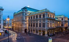 Spend 3 days in Vienna with this fantastic Vienna itinerary full of enjoyment and action. A practical guide to visiting Vienna and its greatest sights Marketing Digital, Vienna, Austria, Street Photography, Opera House, Louvre, Street View, Mansions, Landscape