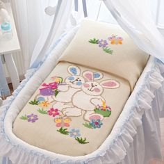 This Pin was discovered by HUZ Baby Applique, Crewel Embroidery, Cross Stitch Embroidery, Quilt Baby, Cross Stitch Baby, Cross Stitch Animals, Baby Sheets, Patchwork Baby, Baby Coat
