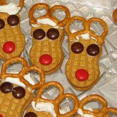 Reindeer Cookies 市販のピーナッツ型クッキーを使ったトナカイさん・クッキー。