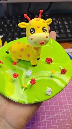 Molding clay ปั้นดินน้ำมัน EP08 Clay Art Projects, Polymer Clay Projects, Diy Clay, Clay Crafts For Kids, Food Crafts, Fondant Cake Toppers, Fondant Figures, Quilled Creations, Clay Creations