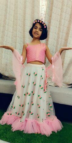 Girls Dresses Sewing, Dresses Kids Girl, Baby Dresses, Girl Outfits, Kids Party Wear Dresses, Girls Special Occasion Dresses, Banarasi Lehenga, Indian Lehenga, Kids Frocks Design