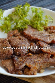 Diah Didi's Kitchen: Empal Gepuk Baby Food Recipes, Indian Food Recipes, Asian Recipes, Beef Recipes, Cooking Recipes, Chicken And Beef Recipe, Chicken Recipes, Diah Didi Kitchen, Indonesian Cuisine