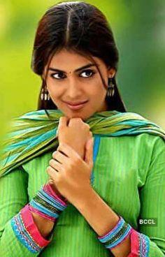 🧚♂️வீணையடி நீ எனக்கு🧚♀️(On Going) - nazrin_banu - Wattpad South Actress, South Indian Actress, Romantic Novels To Read, Romance Novels, Genelia D'souza, Dehati Girl Photo, Bollywood Actress Hot Photos, Bollywood Pictures, Star Images