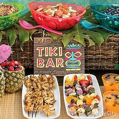 Totally Tiki Luau Party Ideas from Party City. The luau is a Hawaiian party. Browse through these easy ideas for a tiki bar and luau games, food, a photo booth and more! Aloha Party, Luau Theme Party, Hawaiian Luau Party, Moana Birthday Party, Tiki Party, Hawaiian Birthday, Luau Birthday Parties, Luau Party Foods, Birthday Ideas