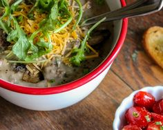 We combine all the elements of a great cheeseburger into a slow cooker soup that will quickly find it's way into every potluck. It's cheeseburger soup! Slow Cooker Soup, Slow Cooker Recipes, Crockpot Recipes, Crockpot Sunday Dinner, Sunday Dinners, Bacon Cheeseburger Soup, Cheese Burger Soup Recipes, Creamed Mushrooms, One Pot Meals