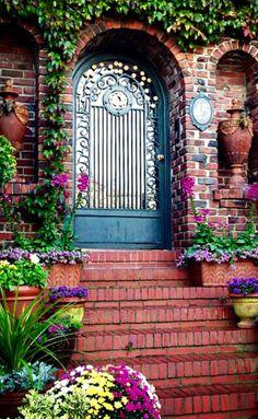 San Francisco, California - ALANGOO Beautiful Doors- my favorite place to photograph doors! Grand Entrance, Entrance Doors, Doorway, Cool Doors, Unique Doors, Beautiful Front Doors, Beautiful Beautiful, Beautiful Flowers, Door Knockers