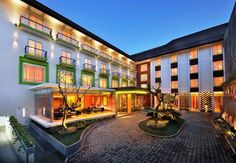 OopsnewsHotels - All Seasons Bali Denpasar. Boasting free Wi-Fi and a sauna, All Seasons Bali Denpasar is situated in Denpasar and provides modern accommodation. The various facilities this contemporary hotel features include a beauty centre, 24-hour room service and valet parking.   This 3-star hotel offers a currency exchange, meeting rooms and massage services. Staff are available 24-hours a day and can help with booking tours and tickets.