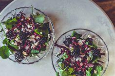 On lunch avec une salade betteraves, feta, mûres par fouettmagic  © Elise Boon