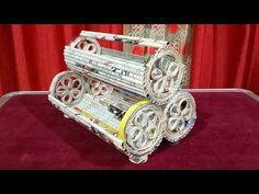 How to make a newspaper rack & holder, desk Cosmetic Bangle Organizer. Newspaper Flowers, Newspaper Basket, Newspaper Crafts, 3d Paper Crafts, Diy Paper, Paper Art, Arts And Crafts, Cardboard Paper, Cardboard Crafts