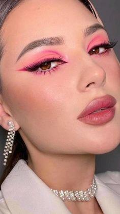 Dope Makeup, Edgy Makeup, Eye Makeup Art, Pink Makeup, Makeup Eye Looks, Cute Makeup Looks, 70s Makeup Look, Disco Makeup, Cute Eye Makeup
