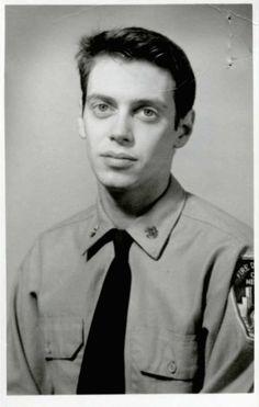 Steve Buscemi en sus días como bombero, 1976