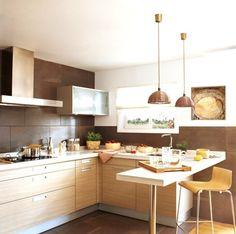 peinture-cuisine-meubles-blancs-25-idées-suspensions-rotin-tressé-herbes-pots-accents-métalliques