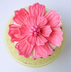 How to make a giant chocolate flower cake, using candy melts and everyday tools. A fun and easy cake to make for special events this spring! Easy Cakes To Make, How To Make Cake, Candy Melts, Cake Decorating Techniques, Cake Decorating Tips, Cake Icing, Eat Cake, Frosting, Cupcakes