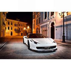 Empty streets, lets ride, Ferrari F458