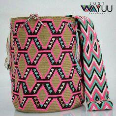 180 отметок «Нравится», 3 комментариев — Just Wayuu (@just.wayuu) в Instagram: «Handcrafted handbags made by indigenous wayuu in the north of Colombia. Worldwide shipping – envíos…»